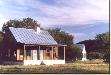 First class accommodations in the texas hill country for Texas hill country cabin builders